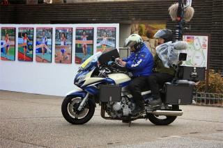 移動放送のバイク